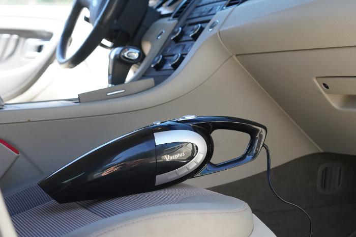 Gambar Cara mengusir kecoa di mobil pakai alat alami