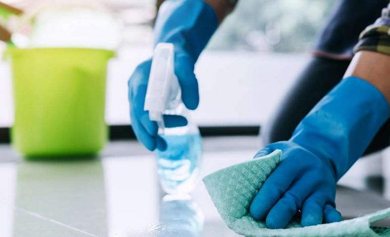 Gambar 2 - Cara penggunaan desinfektan dan pemakaiannya yang benar